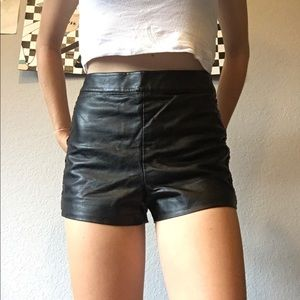 🌚Topshop🌚 Faux Leather Shorts